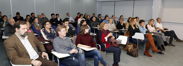 Visual de la sala durante la presentación del libro Mujer, discriminación y deporte